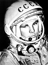 189px-Gagarin_space_suite