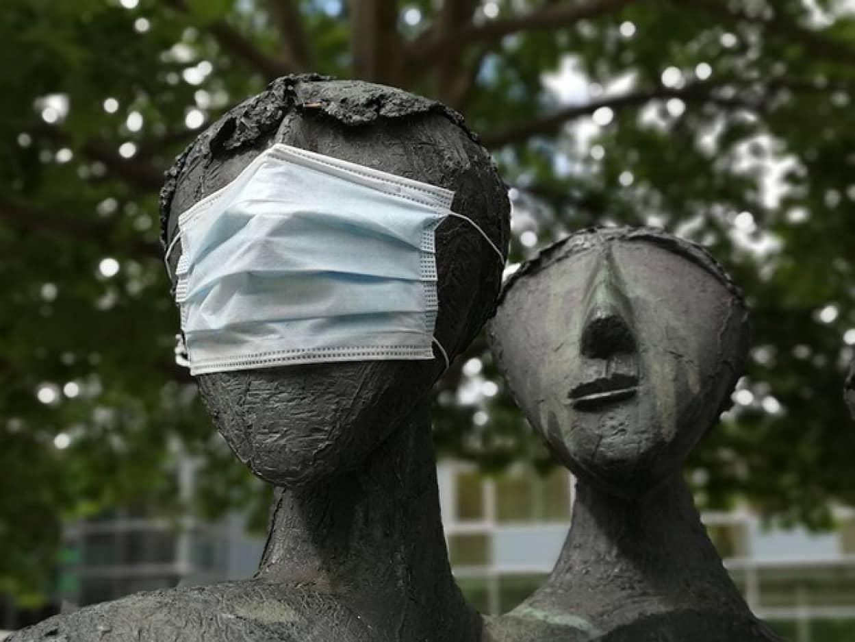 作業記憶と社会的距離の実行、マスク着用の関連性