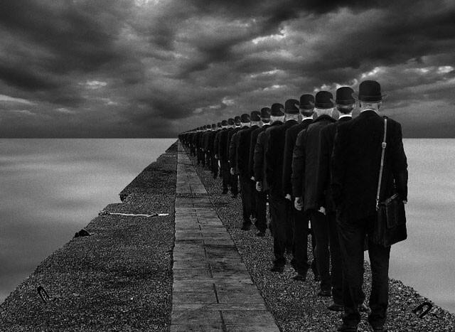 命令に従うことで他人の痛みに鈍感になる可能性