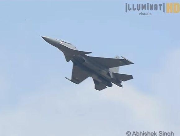 インド空軍が未確認飛行物体を撃...