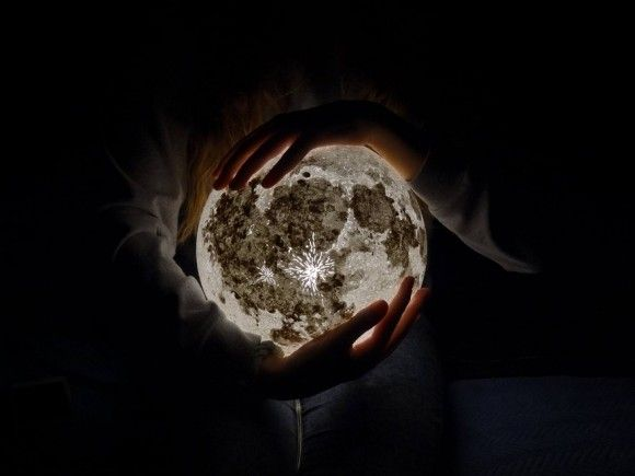 moon-lamp-pulsarmoonlight-4_e