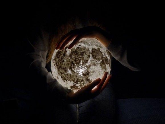 moon-lamp-pulsarmoonlight-4_e