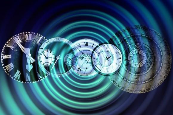 時間が逆転?量子コンピューターを用いた観測で、量子レベルで時間が逆方向に流れる現象を確認(米・露共同研究)