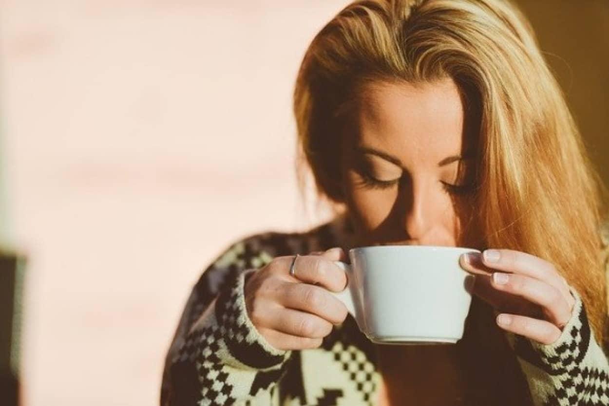 コーヒーのアイスとホット、どちらが好きかでライフスタイルや嗜好、性格が分かる
