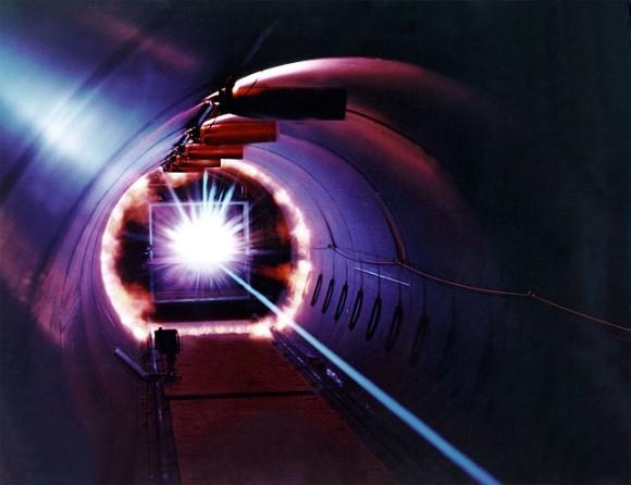 laser-11646_640_e