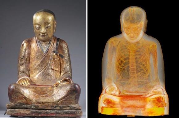 仏像をCTスキャンしたところ、1100年前に死亡した高僧のミイラが発見される