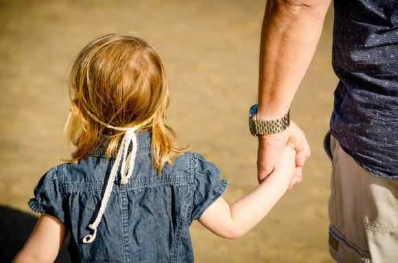 人身売買業者が関与。誘拐された子供を利用しアメリカへ不法移民を入国させる手口が明かされる