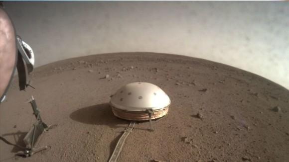 火星で初の地震観測か?地震の振動波と思われる音が公開される。