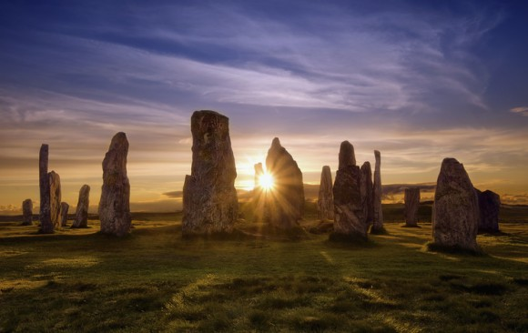 新たに発見された先史時代のストーンサークル、雷を呼び寄せるために意図的に建設された可能性(スコットランド)