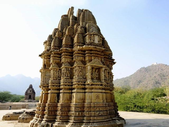 呪いをかけられたインド・キラドゥ寺院