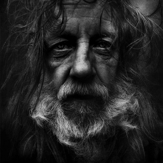 amazing_black_and_white_photos_of_the_homeless_640_09