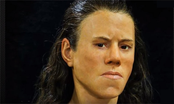 これが9000年前の少女の顔。中石器時代の女性の顔を復元