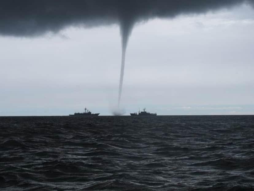 tornado-2090803_640_e