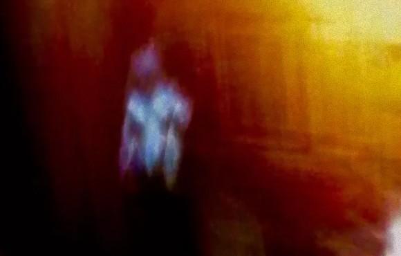 宇宙人に拉致されたと主張する女性、宇宙人が撮影した自撮り画像を公開する