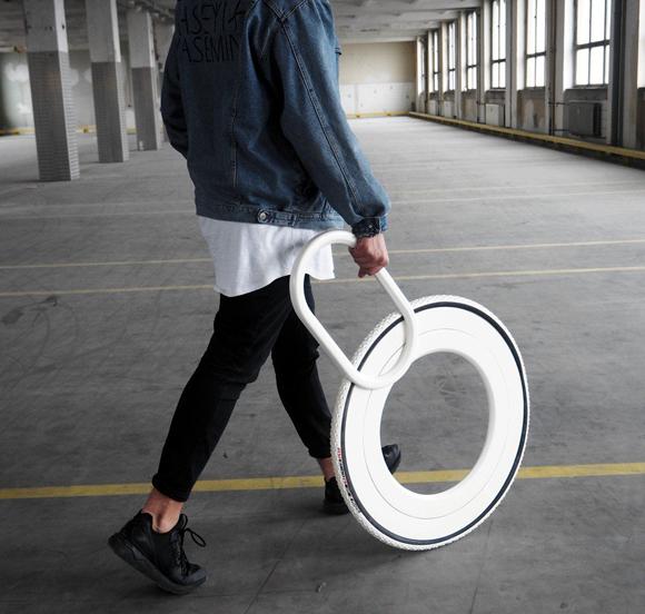 次世代の歩行用杖はスタイリッシュなタイヤ型「ウォーキングホイール」\t