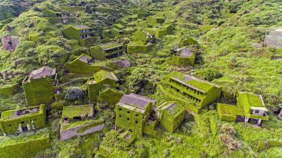 植物に侵食された神秘の廃村「後頭湾(ホウトウワン)」