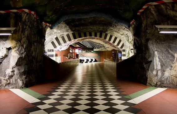 stockholm-subway-art-21