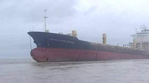 乗組員が消えたまま漂流していた謎の幽霊船が突如ミャンマーの海で発見される。その真相が明らかに