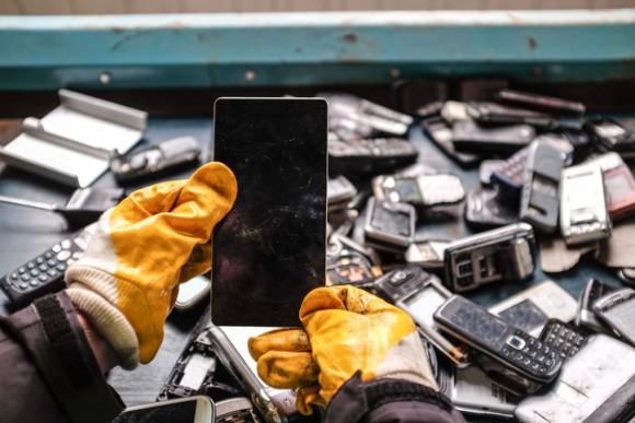 鉱山から採掘するより、電子廃棄物からの有価金属を回収する方が経済的にお得なことが判明(国際研究)