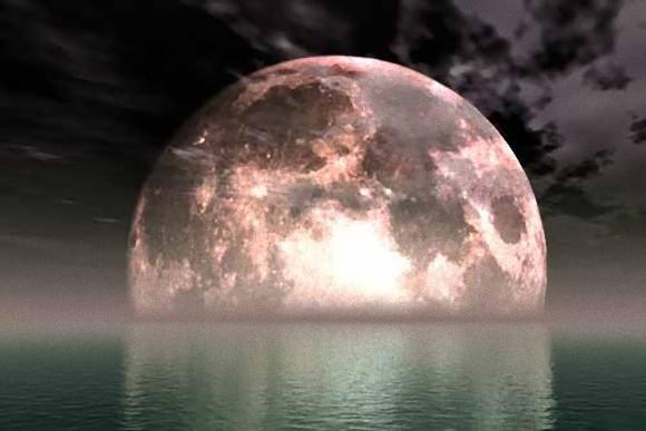 今日(6月20日)の満月は夏至直前。人々に狂気や幻覚を呼び起こすと占星術師が警告