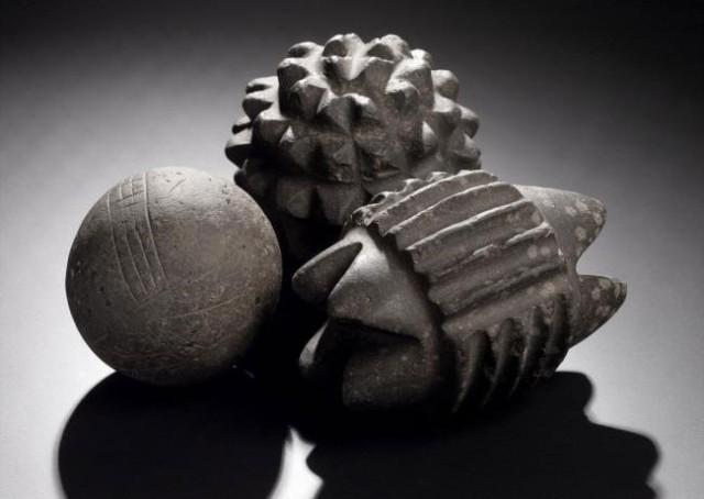 5000年前の精巧に彫刻された石球の謎(スコットランド)