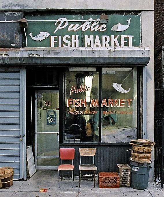 Front Elevation Of Showroom : 消え行く街の小さな店、ノスタルジーを感じさせるニューヨークのストア・フロント カラパイア