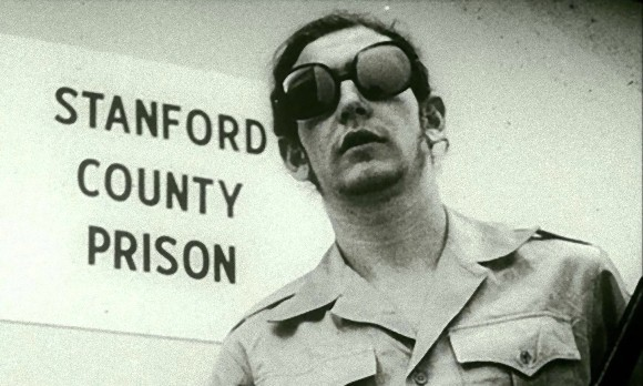スタンフォード監獄実験は仕組まれていた!?被験者に演技をするよう指導した記録が発見される