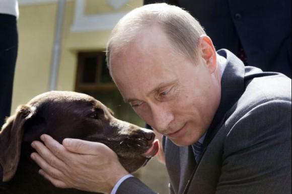 犬とプーチン大統領