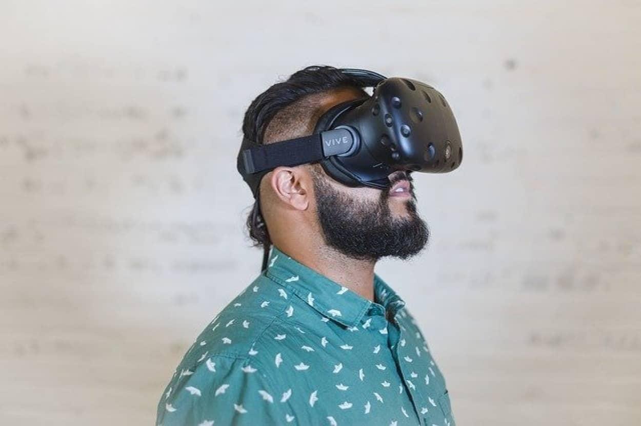 VRで性転換実験をすると自分の性別を疑うようになる