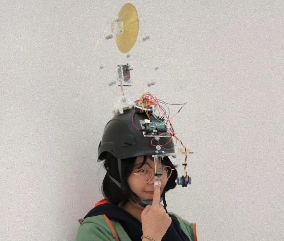 鼻ほじりストッパーヘルメット