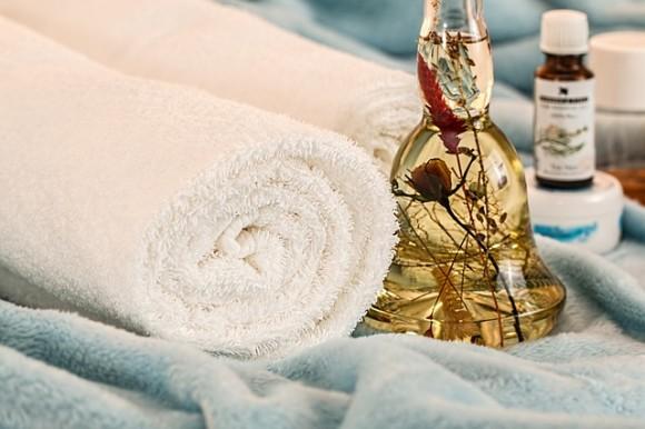 massage-therapy-1612308_640_e