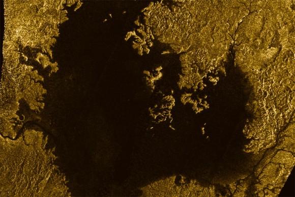 驚くほど地球に似ていた。土星の...