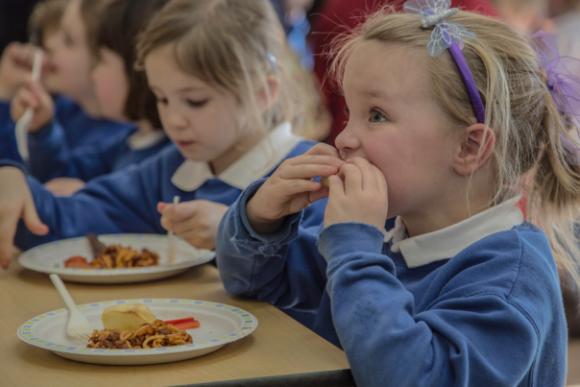 食料の質と量、安全面で問題を抱える児童はロンドンだけで約40万人いる(イギリス)