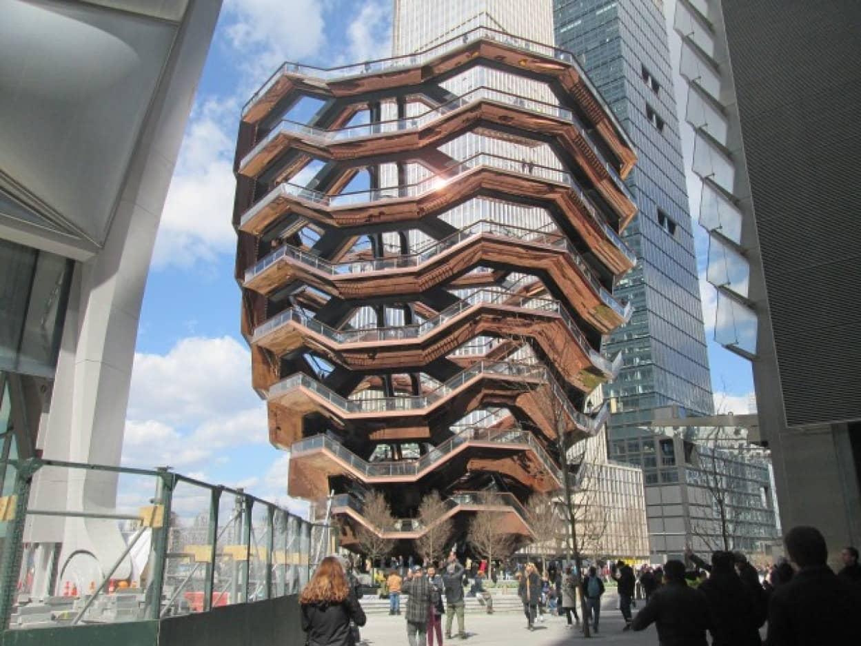 4人目の自殺者が出て閉鎖となったニューヨークの大規模観光施設「ベッセル」