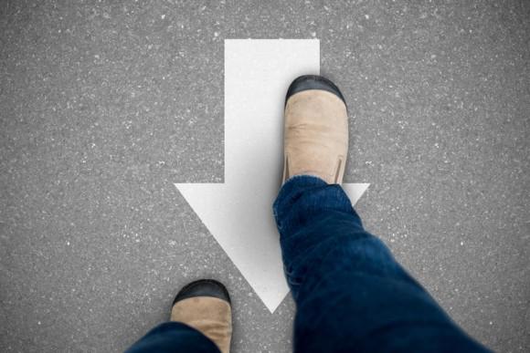 後ろ向きに歩くと、なぜか短期記憶が向上する(英研究)