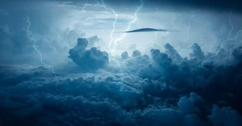 lightning-3652193_640