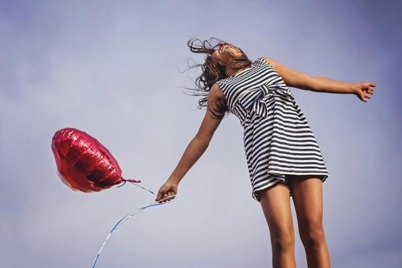 バレンタインデー前に恋人と別れてしまった人に。ゴキブリに元カレ、元カノの名をつけられるイベントが開催中