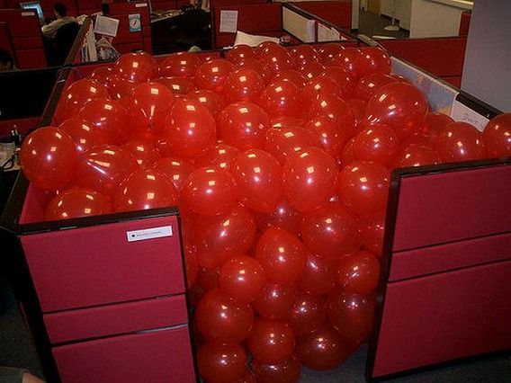 awesome_office_cube_pranks_02