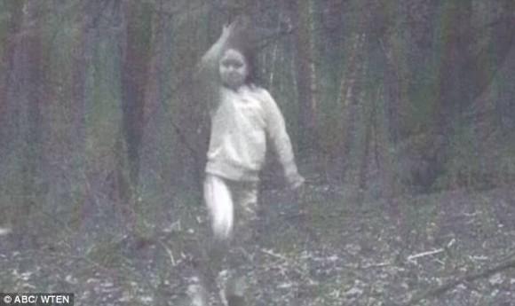 めちゃくちゃ鮮明すぎる、ニューヨークで撮影された「少女の霊」その謎が明らかに