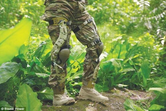 まさに自家発電。歩くことで発電する外骨格ズボン、「パワーウォーク」を米海兵隊と陸軍が統合運用試験