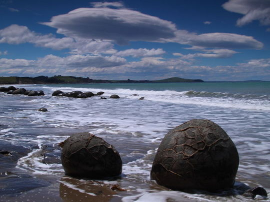 boulders_from_out_640_07