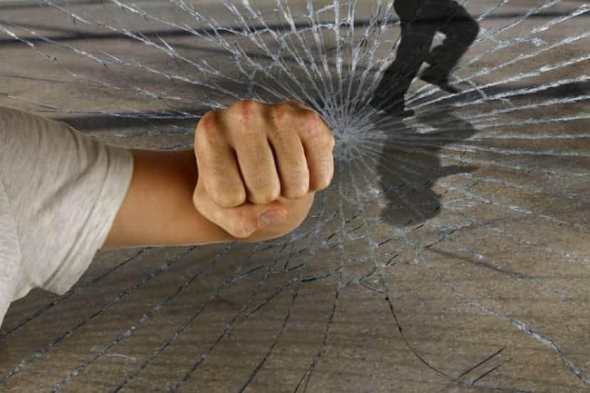 violent-1166556_640_e