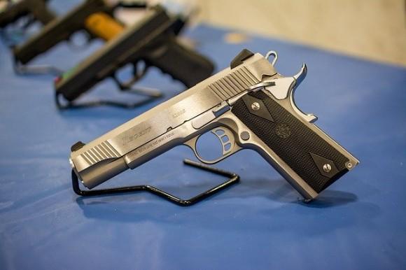 pistol-1350484_640_e
