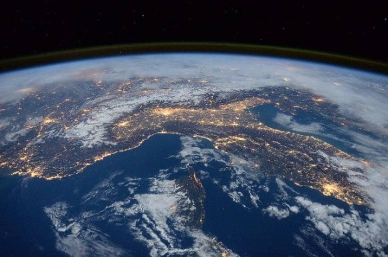 international-space-station-1176518_640_e
