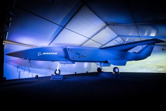 人間の操縦する航空機の守備を担う無人のドローン戦闘機、今年後半にテスト飛行予定(オーストラリア)