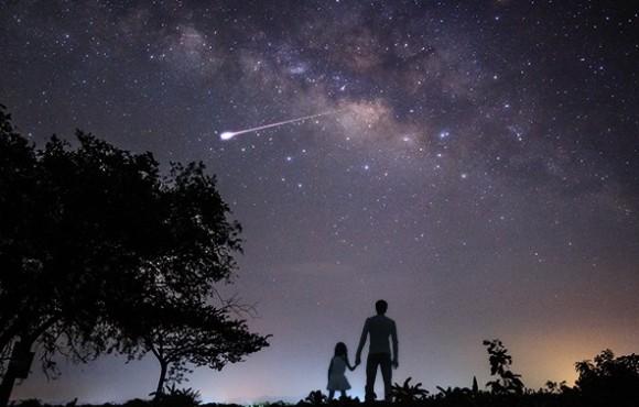 宇宙に行きたいという夢は死後に叶うかも。遺灰を宇宙へ運ぶ宇宙葬サービス。遺灰を月に届ける月面供養サービスも