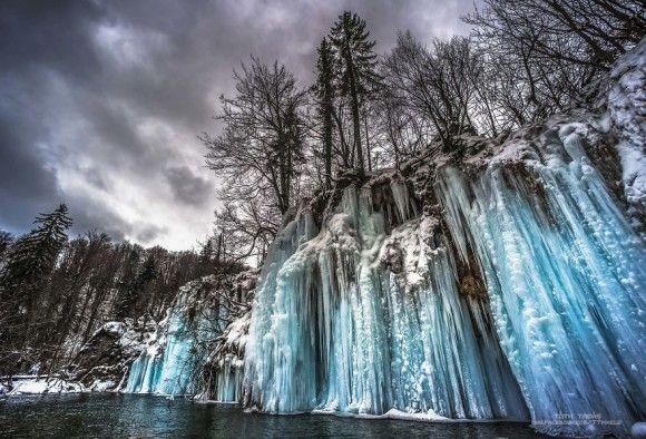 なるほど絶景!クロアチアの世界遺産、エメラルドグリーンの幻想的な景観が広がるプリトヴィツェ湖群国立公園