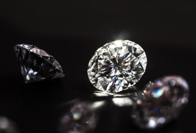 常温でダイヤモンドを生成