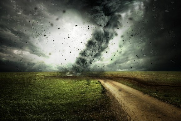 cyclone-2102397_640_e