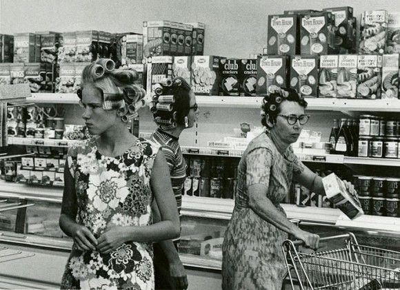 当時の人々の暮らしや食品がわかる。アメリカの古き良き時代の食料雑貨店のヴィンテージ写真